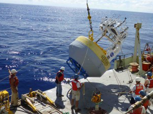 Deployment of a surface flux mooring